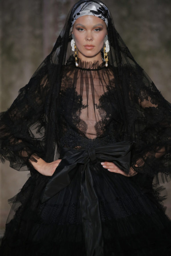 1948cf70d8 Yolancris presents the FW19 Couture collection 'All the springs of a winter'