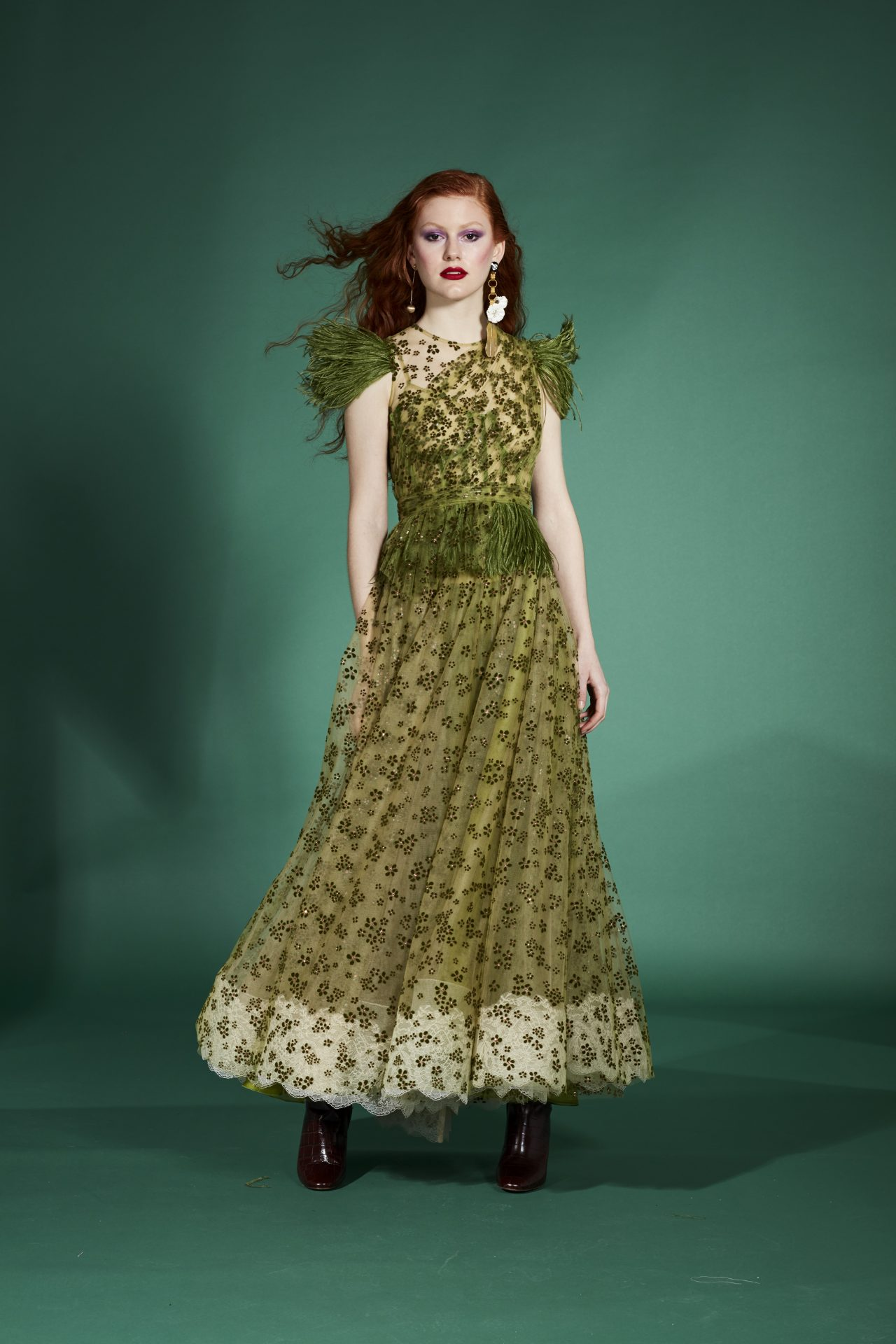vestidos fiesta verde flores bordadas