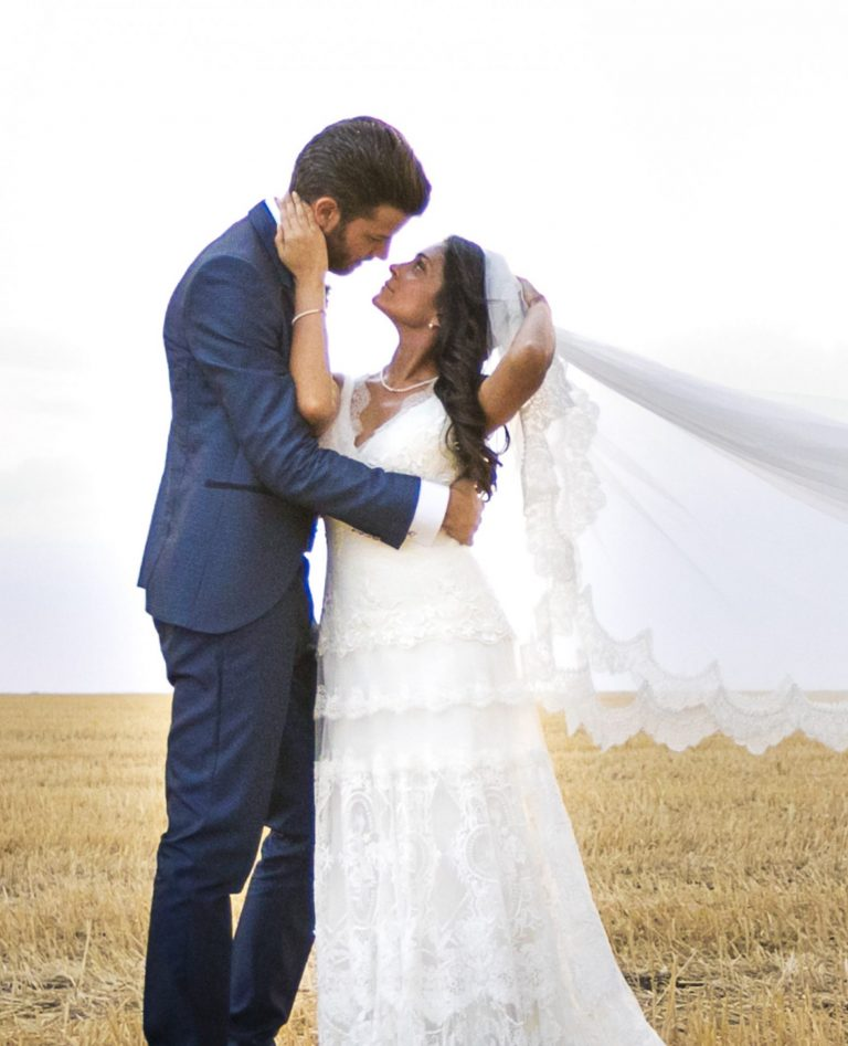 vestidos de novia con velo y cola