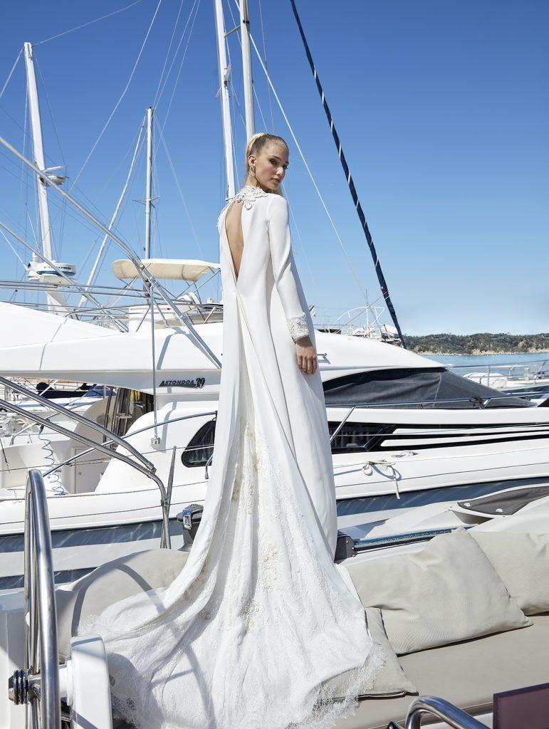 vestido de novia de manga larga espalda descubierta