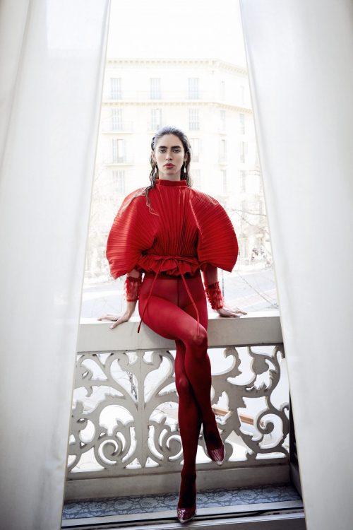 blusa plisada roja
