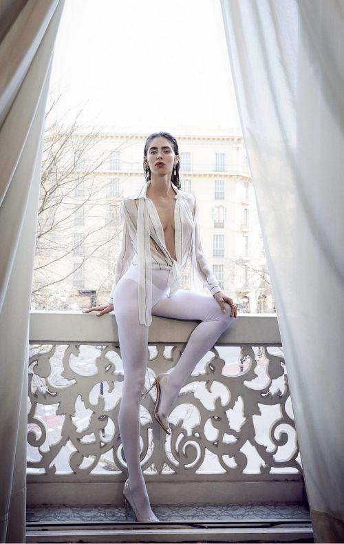 blusa blanca bordada rayas