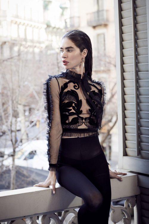 blusa terciopelo negro tul