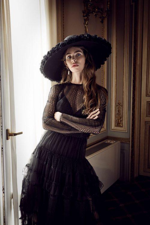 vestido negro largo manga larga