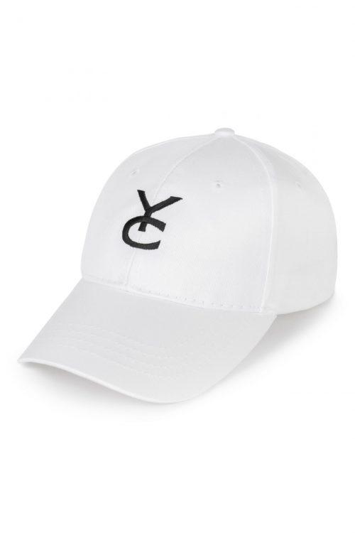 gorra blanca con logo y_como